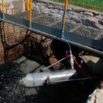 Датчик расходомера Nivus на канализационной безнапорной трубе с переводом ее в напорный режим