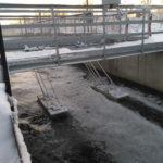 Установка датчиков расходомера Nivus на плотах (канализационные очистные сооружения, Россия)